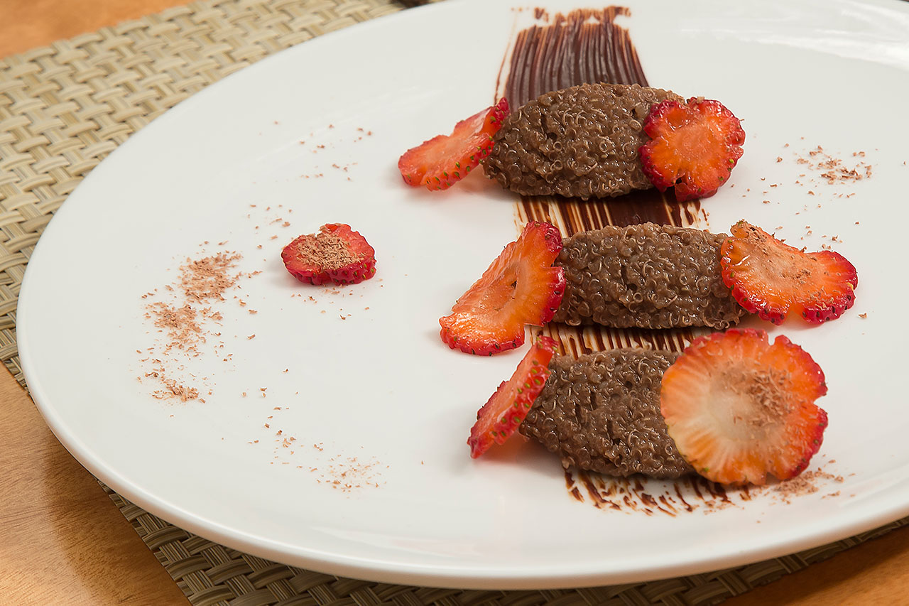 Quinoa With Chocolate And Strawberries